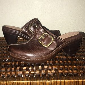 Nurture Marigold Dark Brown Leather Clogs Size 8